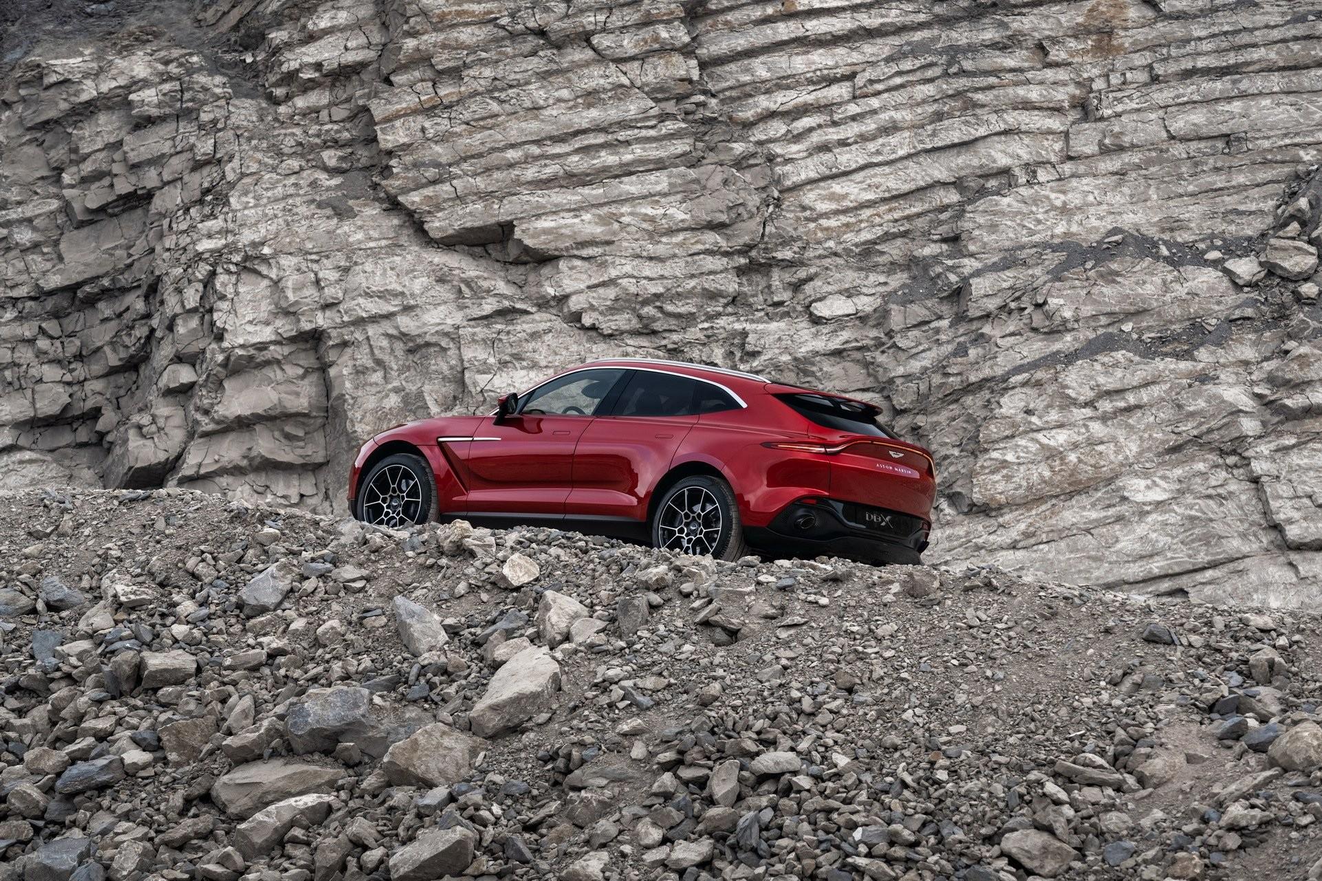 Foto de Aston Martin DBX (11/36)