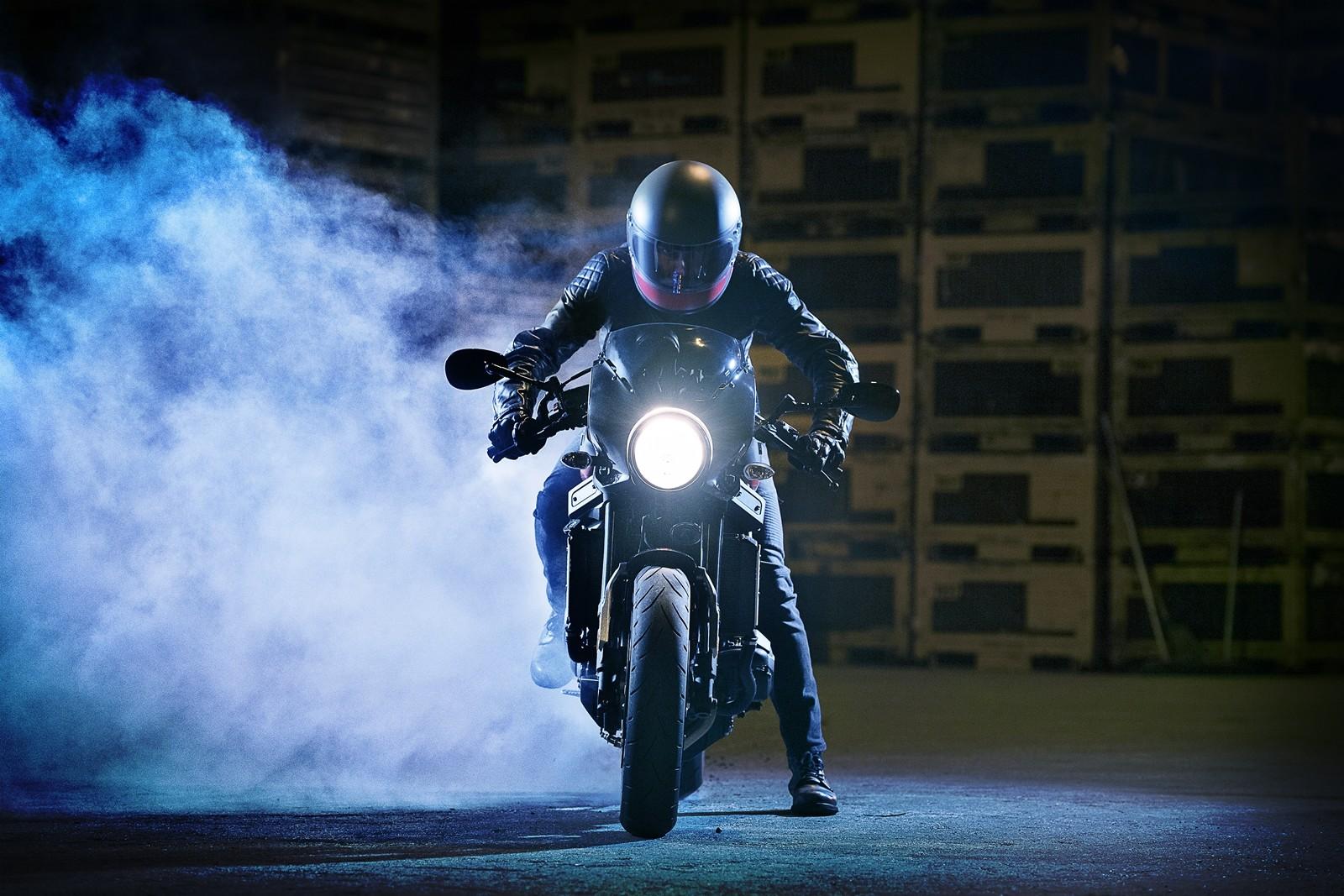 Foto de Yamaha XSR900 Abarth (28/49)