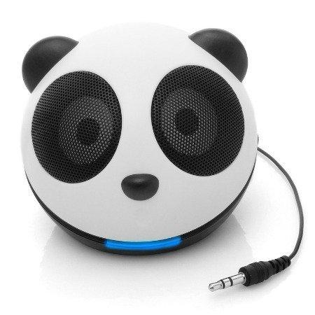 Un oso panda que canta y no come bambú