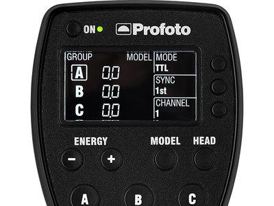 Profoto presenta el Air Remote TTL-F, que actualiza su disparador remoto estrella y ahora es compatible también con Fujifilm