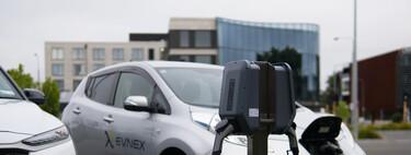 Comprar un coche eléctrico sigue siendo más caro. Pero mantenerlo es mucho más barato