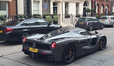 El chef Gordon Ramsey estrena su Ferrari LaFerrari