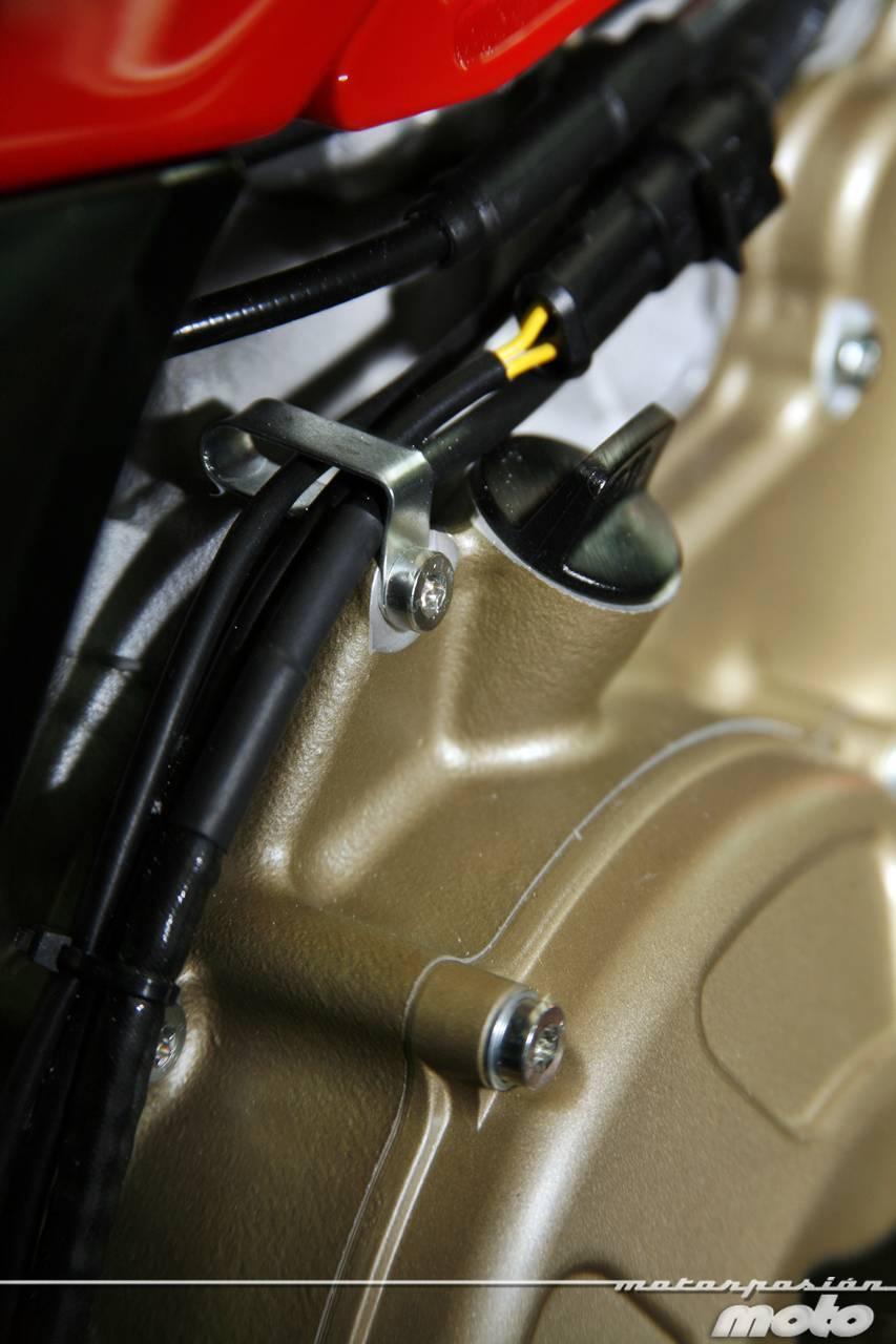 Foto de Ducati Desmosedici RR, toma de contacto (prueba dinámica y galería de fotos) (21/55)