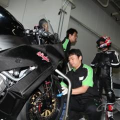 Foto 7 de 8 de la galería primeras-fotos-de-la-kawasaki-ninja-zx-10r-preparate en Motorpasion Moto