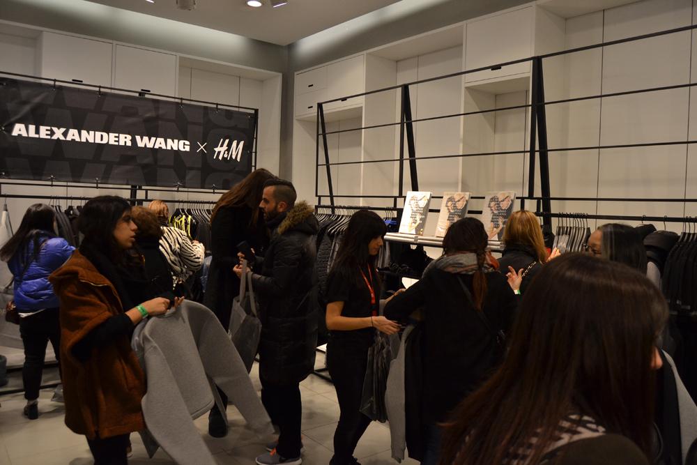 Foto de Alexander Wang x H&M, la colección llega a tienda (Madrid, Gran Vía) (17/27)