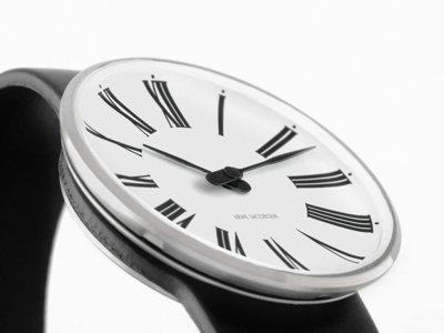 La hora y la firma del Gran Arquitecto: Arne Jacobsen & Rosendahl