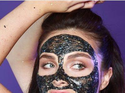 La última tendencia ya está aquí: llegan las mascarillas de purpurina