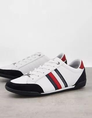 Estas Zapatillas Blancas Son De Lona Frescas Y Muy Cool