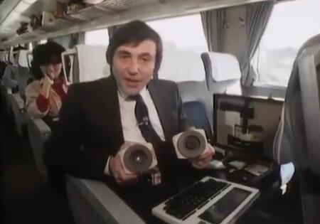 Así era en 1984 intentar recibir tu correo electrónico mientras viajabas en tren (destripe: había demasiado ruido en la línea)