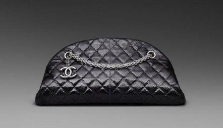 El Chanel Mademoiselle 'bowling' en galuchat, satén, charol perforado o serpiente karung