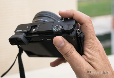 Sony A6100 Review 007