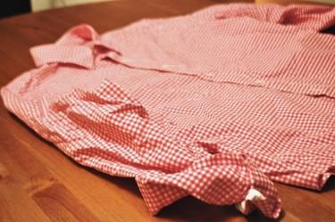 Recicladecoración: convierte en fundas de cojines, las viejas camisas