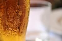 """Bière, Birra, Beer, Bier... entonces, ¿la palabra """"cerveza"""" de dónde viene?"""