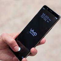 Así es el primer móvil con sensor de huellas debajo del cristal presentando en el CES