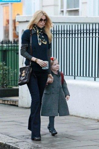 Claudia Schiffer Duelo de estilos en looks de calle