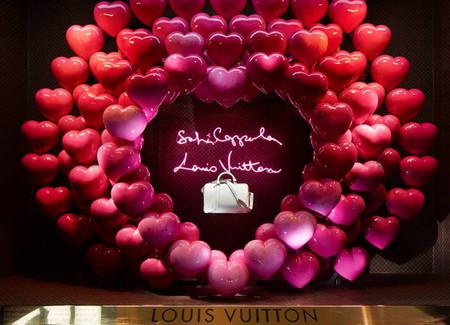 Sofia Coppola y Louis Vuitton decoran los escaparates de los grandes almacenes Le Bon Marché