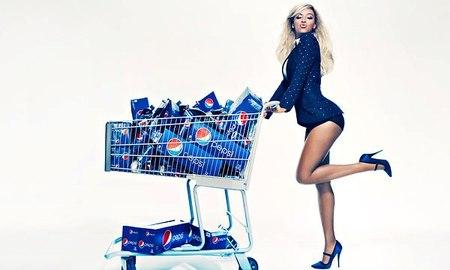 Si yo cobrase lo que cobra por campaña Beyoncé, bebería cualquier cosa