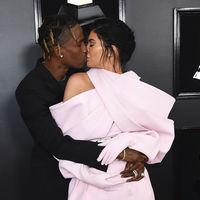 Kylie Jenner se convierte en la protagonista de los Premios Grammy 2019 con un estilismo amorfo