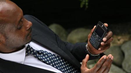 Dos de cada tres empleados con smartphone corporativo lo consultan antes de acostarse