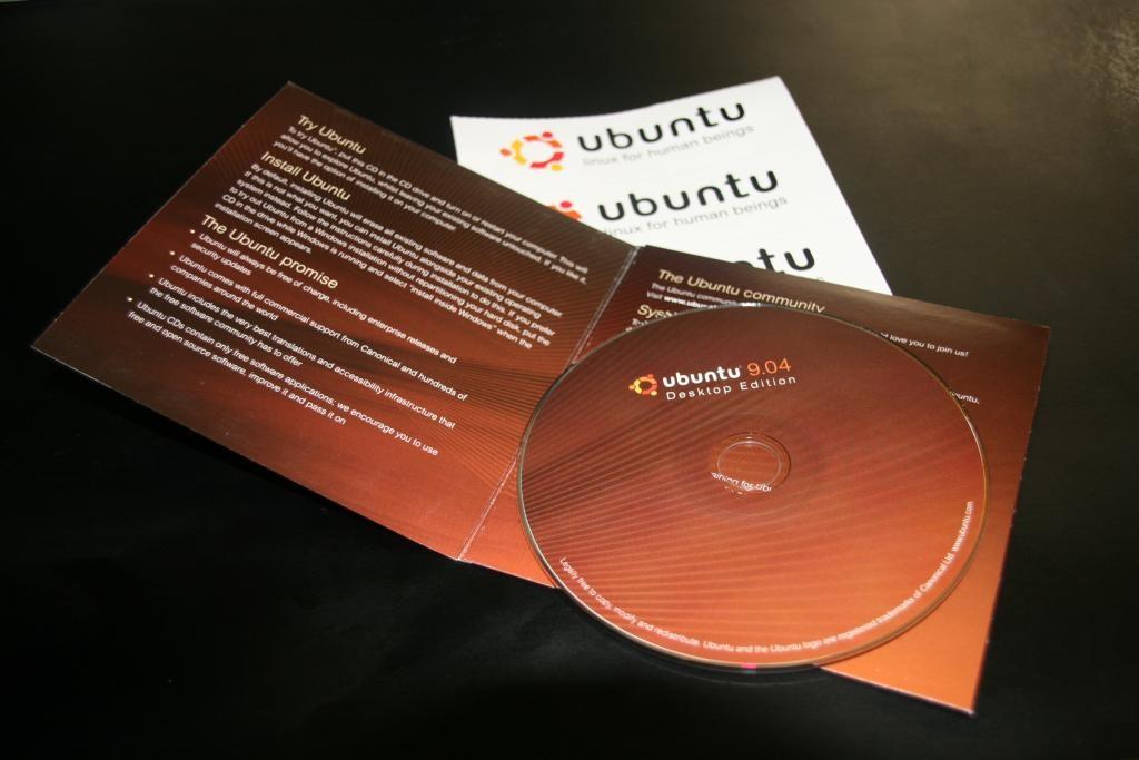 De la era en la que Ubuntu mandaba gratis sus CDs a una en la que la gente vende software libre (y es legal)