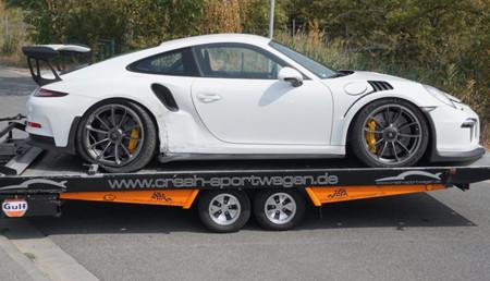 Dolorpasión™: el resultado de dejarle a tu sobrino tu nuevo Porsche 911 GT3 RS