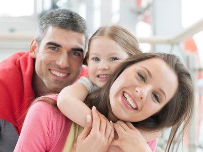 Un estudio lo confirma: los padres pasan más tiempo relajándose que las madres