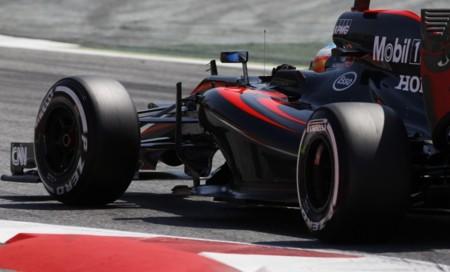 Ferrari, Red Bull y McLaren no ven la luz en Montmeló