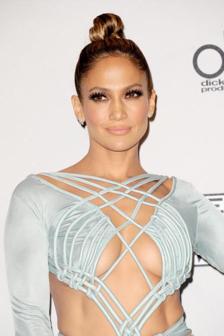 Todos los looks de Jennifer Lopez (con los que patinó) en los American Music Awards 2015