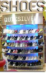 Llamamiento a los consumidores españoles: comprad zapatos ya