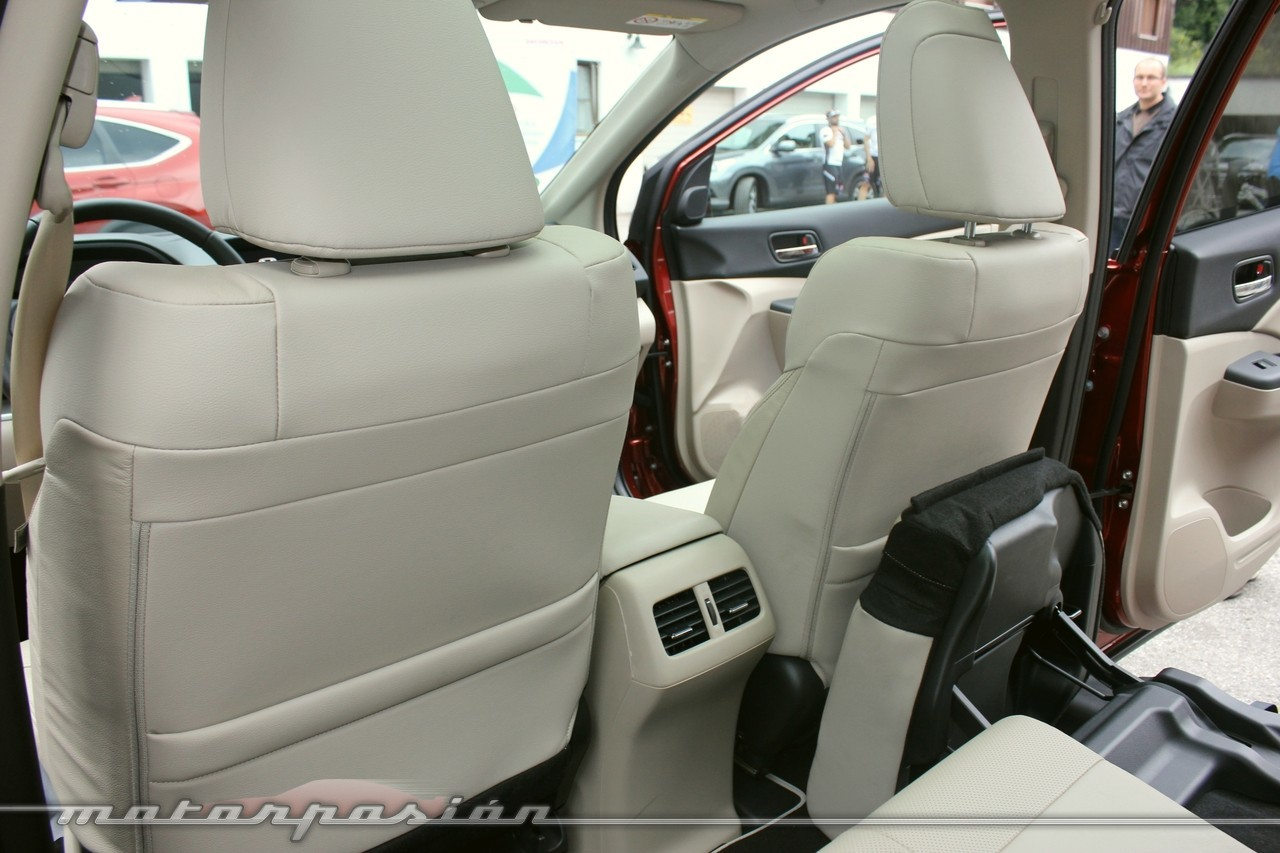 Foto de Honda CR-V 2012 (40/70)