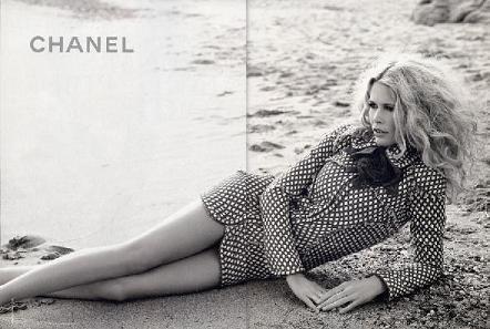 Claudia Schiffer en la campaña Primavera/Verano 2008 de Chanel