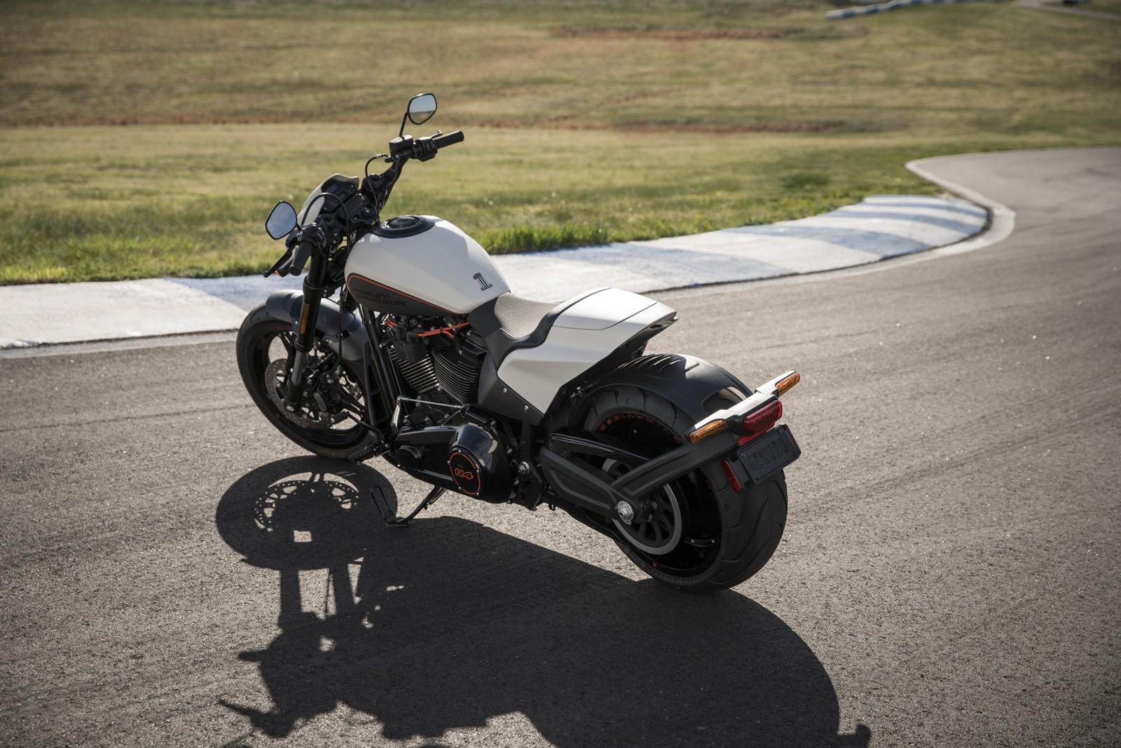 Foto de Harley-Davidson FXDR 114 2019 (7/9)