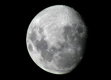 La luna no influye en el parto