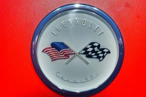 Así fue la historia del logotipo prohibido del Chevrolet Corvette