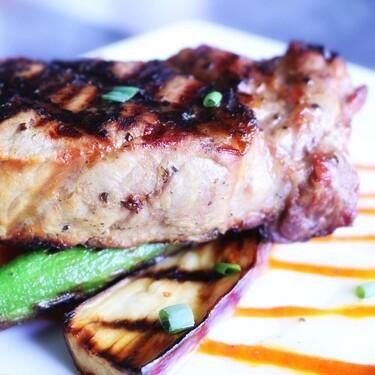 La vitamina D puede prevenir el Covid 19 por eso te dejamos esta receta de atún a la plancha con salsa de mostaza y miel.