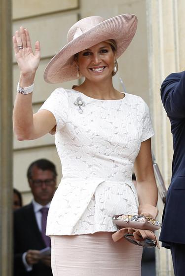 Máxima de Holanda no se separa de los sombreros en Latinoamérica, ¿demasiado repetitivo?