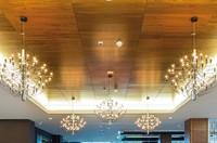 Techos decorativos Armstrong, las ventajas del metal con la apariencia de la madera