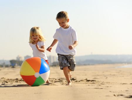 ¿Deben los hermanos mayores cuidar de los más pequeños?