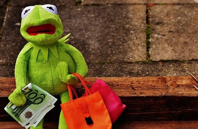 Rana Gustavo de compras.