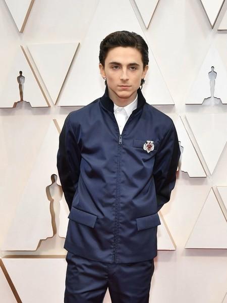 Timothée Chalamet lleva la informalidad de la chaqueta deportiva a los premios Óscar