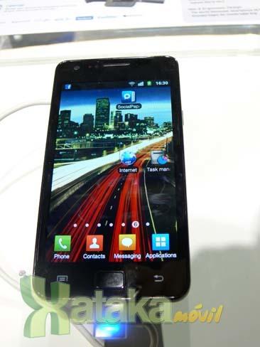 Foto de Samsung Galaxy S II en el MWC (8/9)