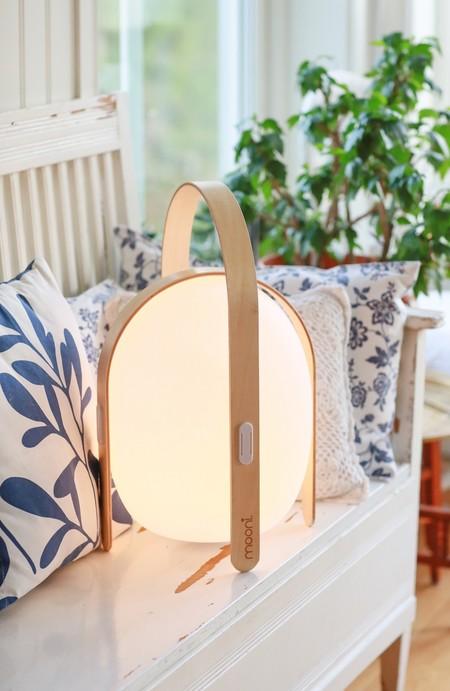 Lámparas de sobremesa LED portátiles y con altavoz