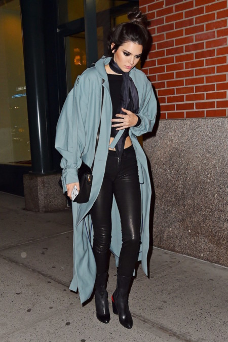 Kendall Jenner Con Trench