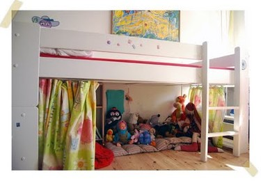 Una zona de juegos debajo de la cama. ¿Una buena idea?