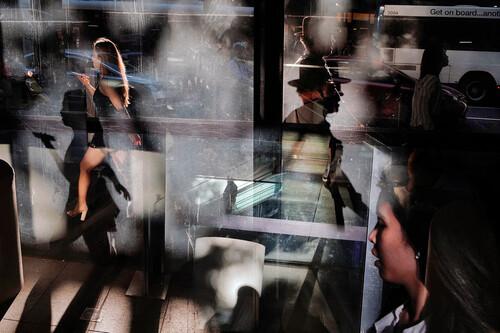 Un curioso retrato en la Plaza Mayor de Madrid gana en categoría Single del certamen LensCulture Street Photography Awards 2021