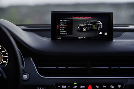 Audi Q7 e-tron Quattro pantalla