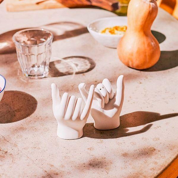 Juego de salero y pimentero en cerámica