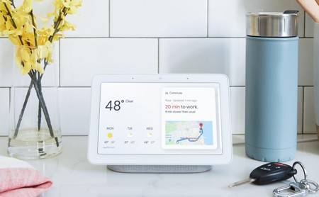 Google Home Hub: esta es la respuesta de Google para plantar cara al Amazon Echo Show de Jeff Bezos