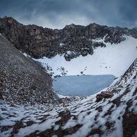 En 1800, 14 europeos murieron en un lago del Himalaya a 5.000 metros de altitud: el misterio del Roopkund se hace más extraño