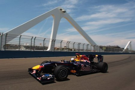 GP de Europa 2010: Sebastian Vettel y Robert Kubica destacan rompiendo el crono